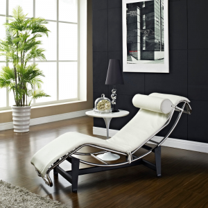 White LC4 Chaise Lounge